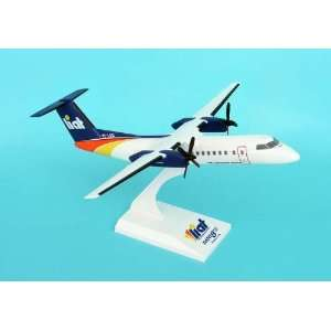 Skymarks Liat DASH 8 300 1/100: Home & Kitchen