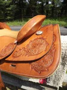 16 Seat Used Tex Tan Hereford Spot Tooled Western Trail Saddle, Tex