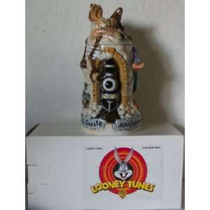 1997 Looney Tunes Wile E. Coyote & Road Runner Collectible Stein