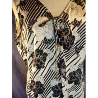 Doncaster Collection Size 16 STRETCH Silk Black & White Floral Blouse