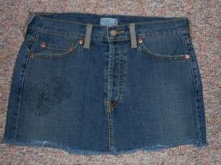 LEVIS Short/Mini Button Fly Denim Jean Skirt   Size 6