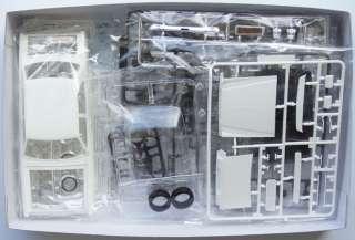 Fujimi ID 172 Toyota Corona Mark II Grande 1/24 scale kit