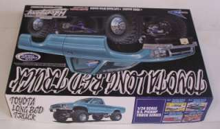 Toyota 4x4 Lifted Pickup Truck Aoshima 1:24 Model Kit OPENED w Super