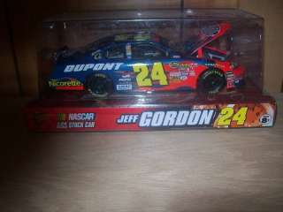JEFF GORDON 2007 WINNERS CIRCLE 124 DUPONT CAR