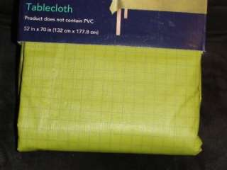 ROOM ESSENTIALS STYLE SPRING SUMMER GREEN VINYL TABLECLOTH 60 x 84 NEW