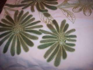Pottery Barn~EMBROIDERED TABLE RUNNER~NEW~BEAUTIFUL~HTF