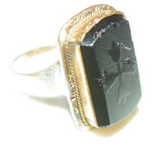 VICTORIAN MENS 10K YELLOW GOLD RELIGIOUS RING ACID ETCH ONYX CROSS
