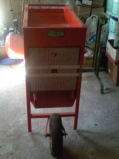 Defogliatore per olive con motore 12 volt. a Paterno Calabro