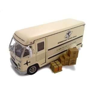 1961 Divco Step Van 70 1/34 Diecast Model Cream: Toys & Games