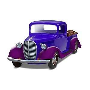 YET RELEASED 1/25 1937 Ford Pickup Street Rod (2 in 1) Toys & Games