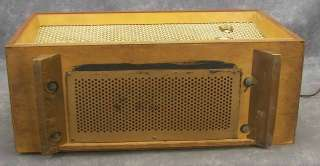 Vintage Grundig MAJESTIC Model 2065 USA Tube Table Radio Shortwave W