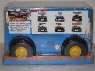 hot wheels monster jam grave digger 1 24 scale monster truck nib