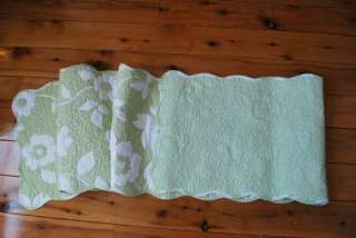 and adorable Very pretty lightly cotton quilted table runner